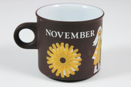 "vintage ""November"" mug produced by Hornsea Pottery"